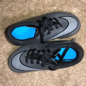 Boys Nike Black & Blue Cleats Sz 10